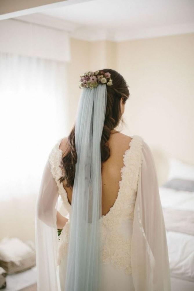 véu de noiva azul claro