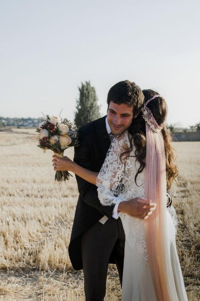 véu de noiva rosa antigo