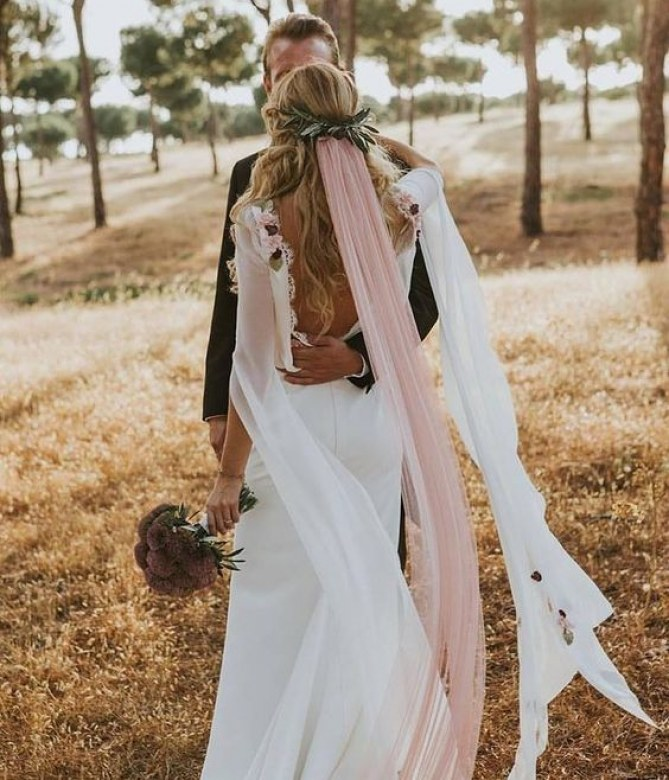 véu de noiva rosa claro tendência