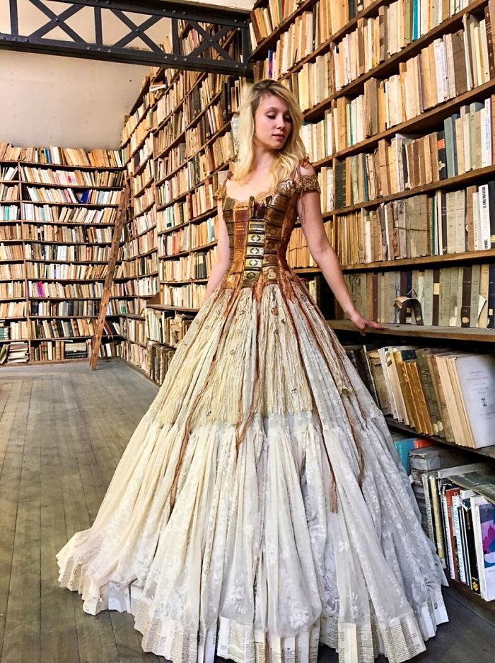 vestido capa de livro Sylvie Facon