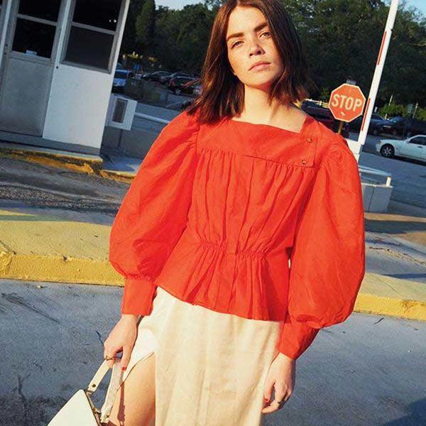 blusa-vermelha-manga-bufante-decote-quadrado