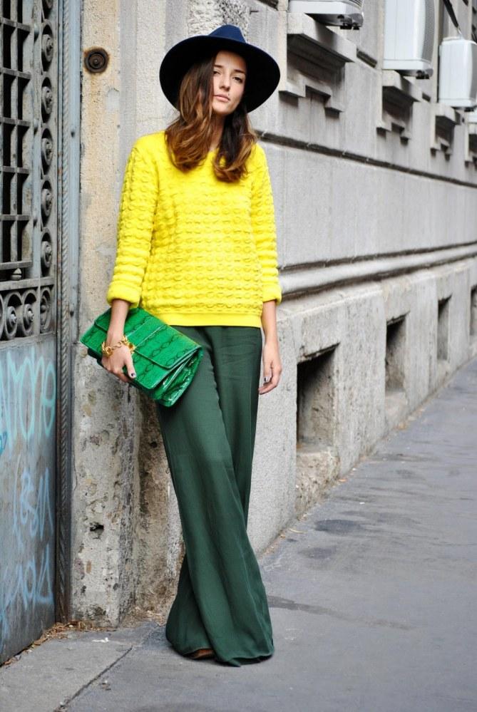 calça verde e blusa amarela