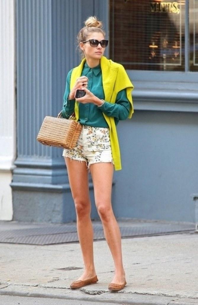 camisa verde e amarelo