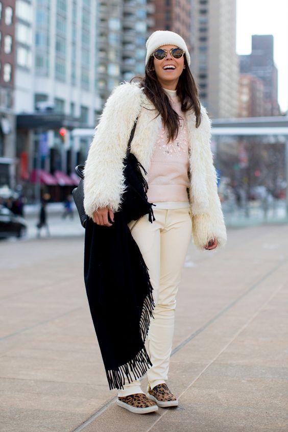 touca e gorro de lã branco como usar