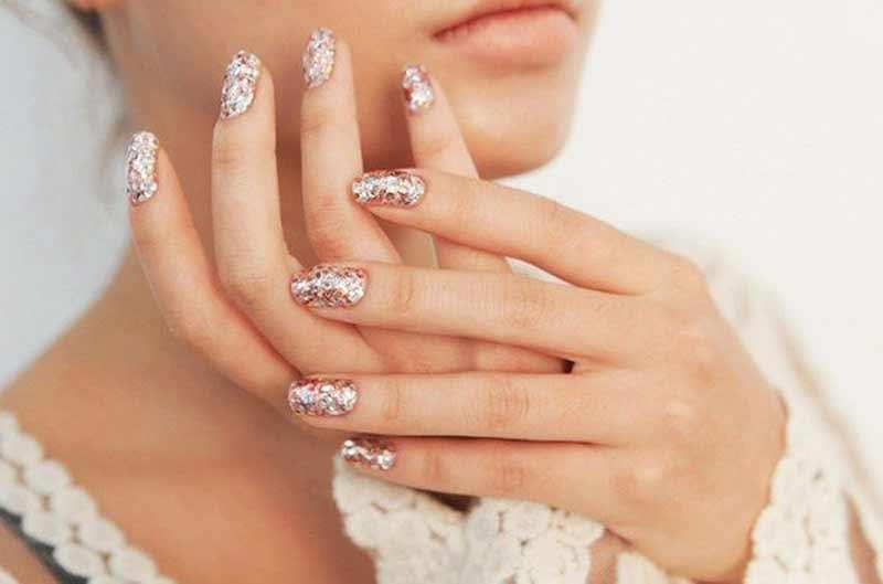 unhas-de-glitter-para-noivas