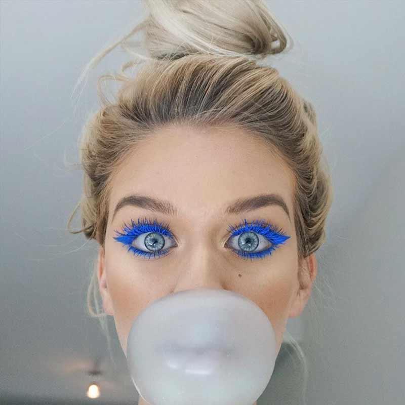 rimel-azul-e-delineador-azul