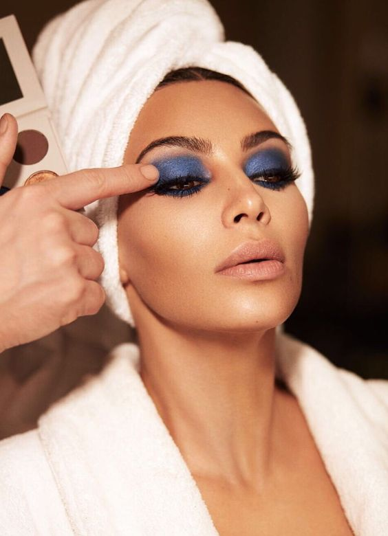 sombra azul kim kardashian