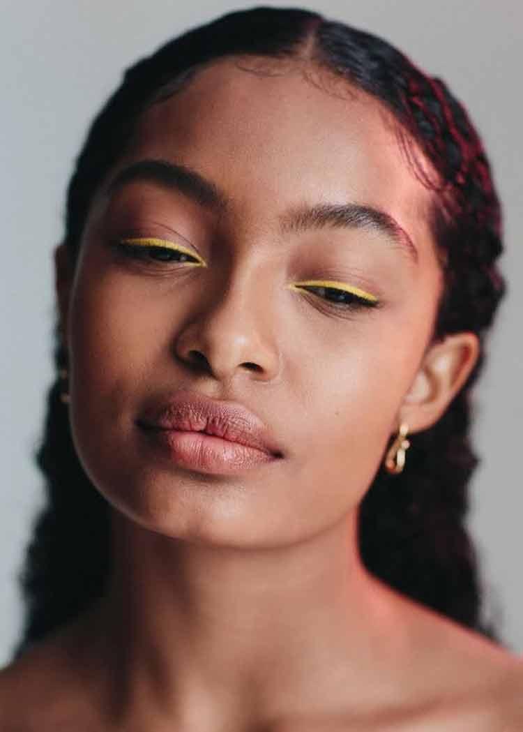 maquiagem-para-copa-delineado-amarelo