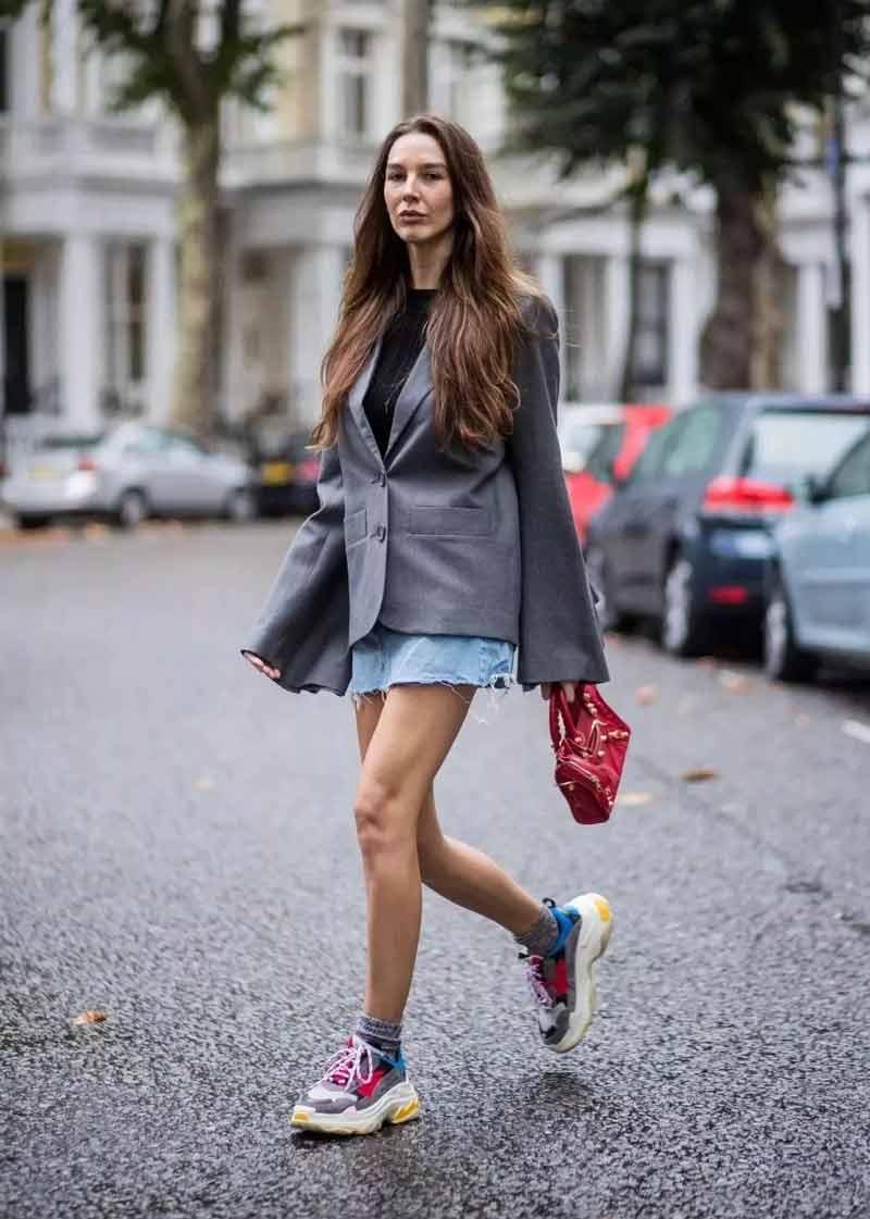 tenis-daddy-sneaker-com-saia-jeans-e-blazer