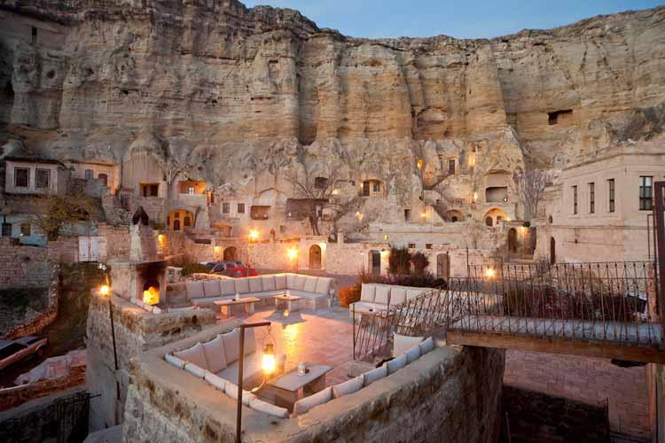hotel-em-caverna-na-turquia