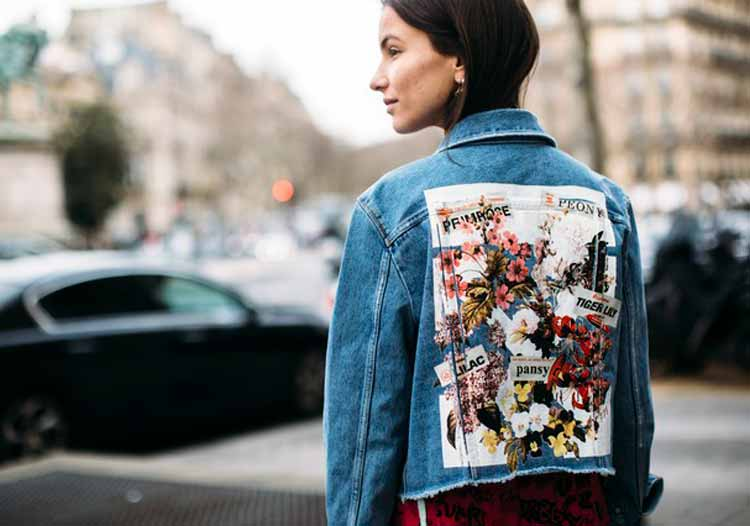 jaqueta-jeans-estampada-nas-costas