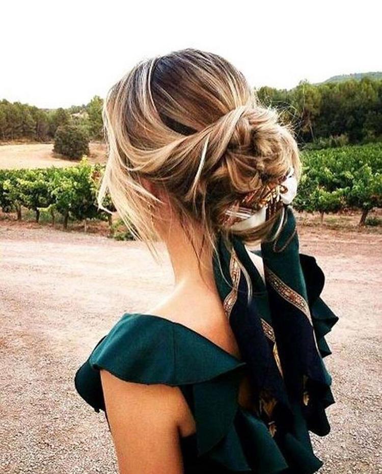 penteado-de-festa-com-lenço