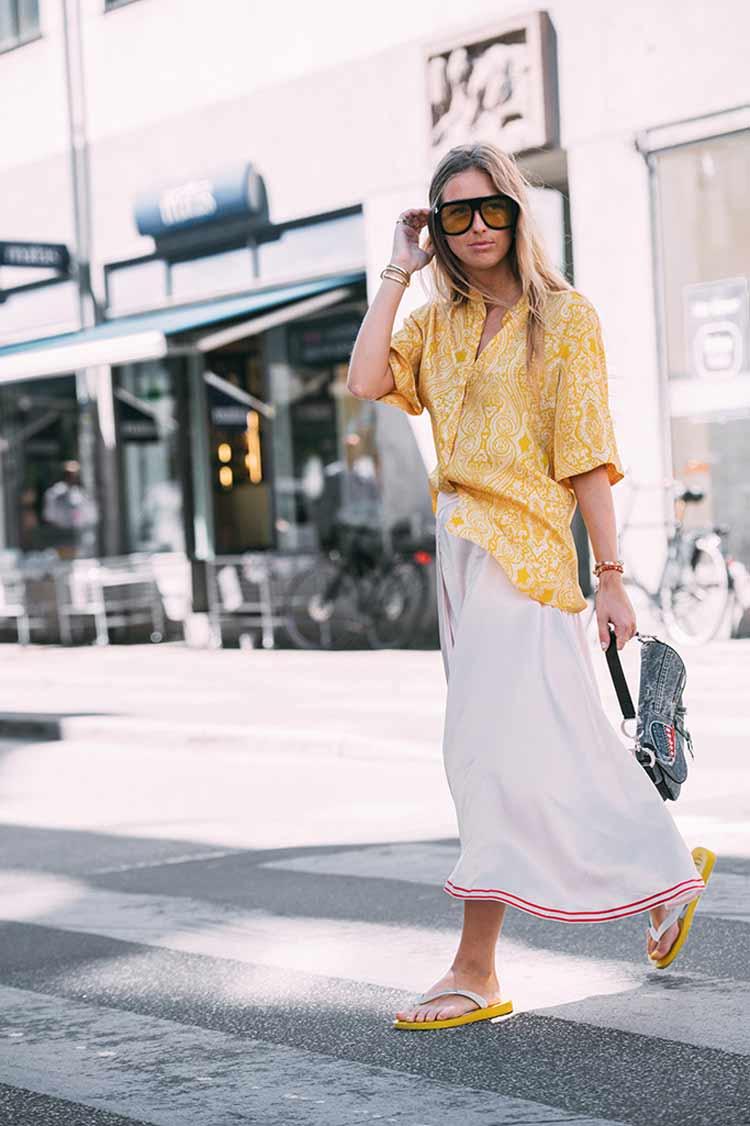 havaianas,-saia-longa-e-camisa-amarela