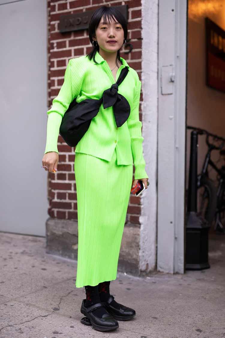 saia-e-blusa-verde-neon