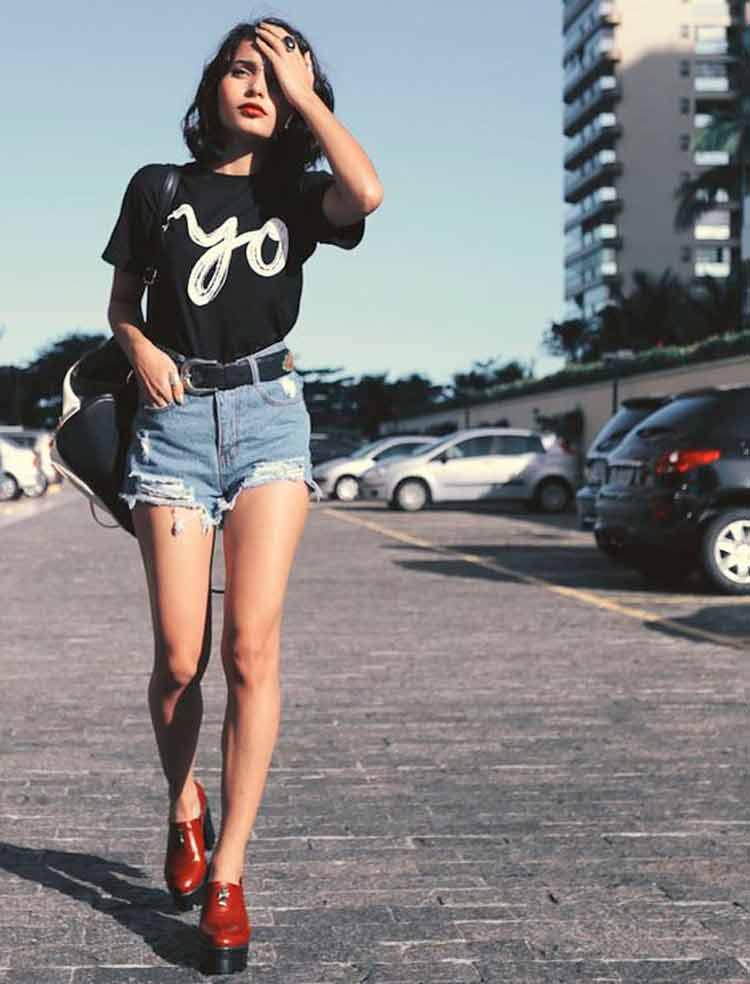 bermuda-jeans-e-camiseta-preta