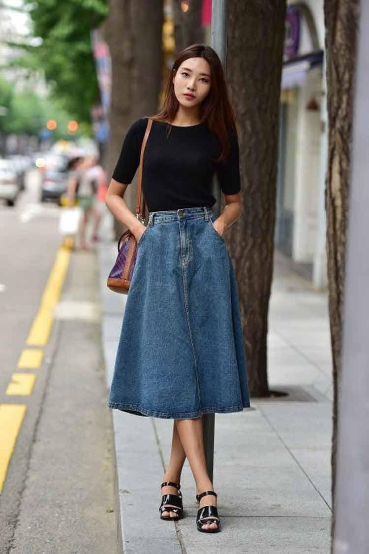 saia-midi-jeans-e-blusa-preta