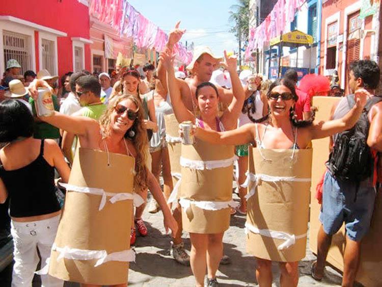 Fantasias-de-Carnaval-2020-Simples