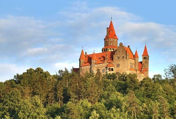 Castelo-de-Bouzov