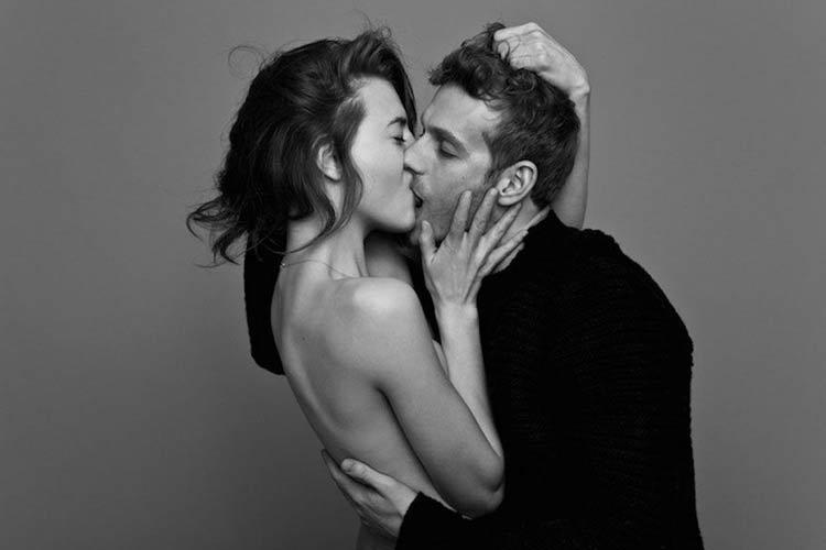 casal-se-beijando