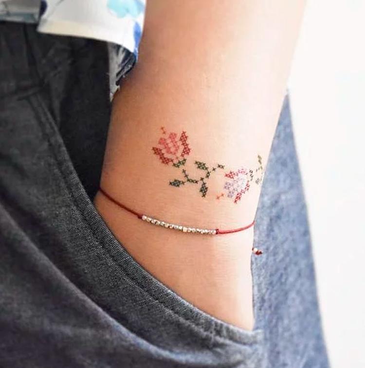 tatuagem-bordada-no-pulso