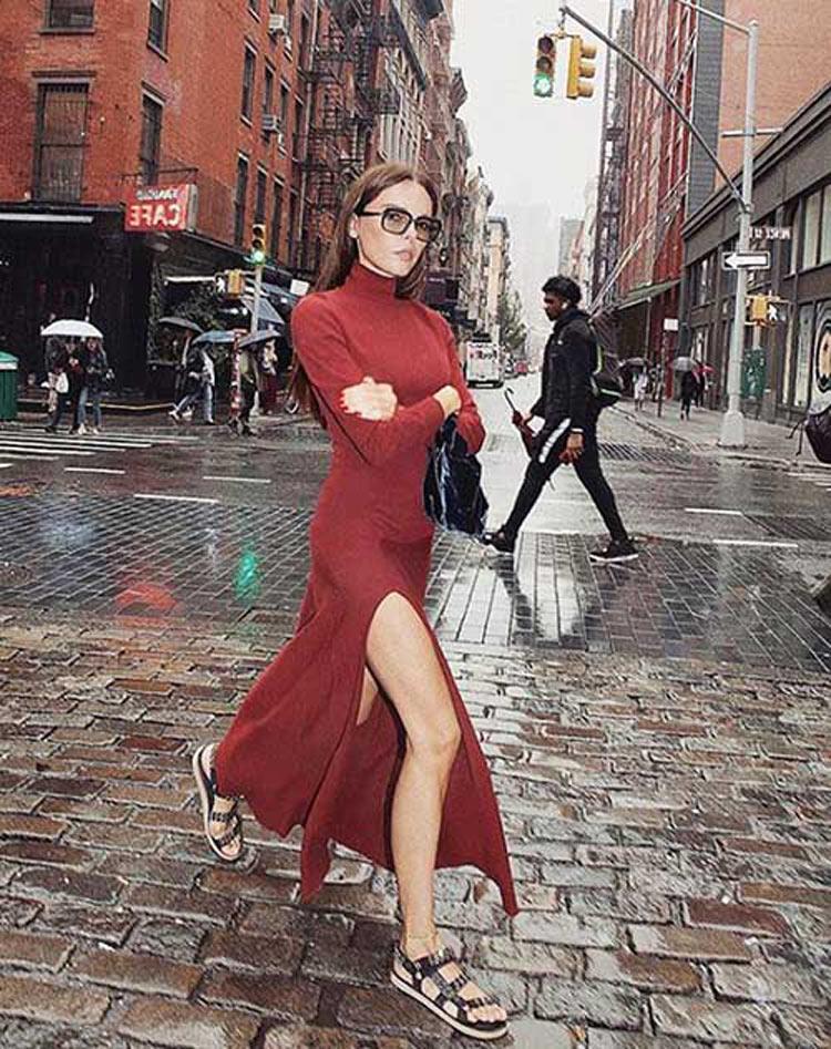 vestido-de-malha-com-sandália