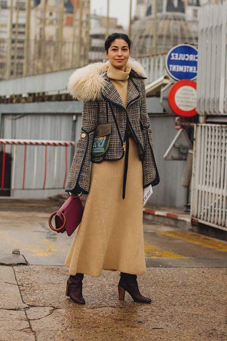 vestido-de-malha-e-casaco-tweed