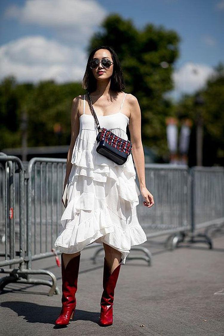 vestido-branco-bota-country-vermelha