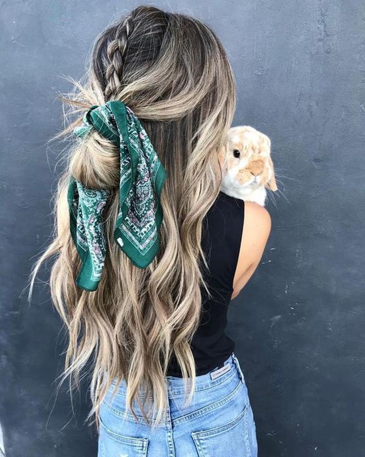 penteado-com-lenço
