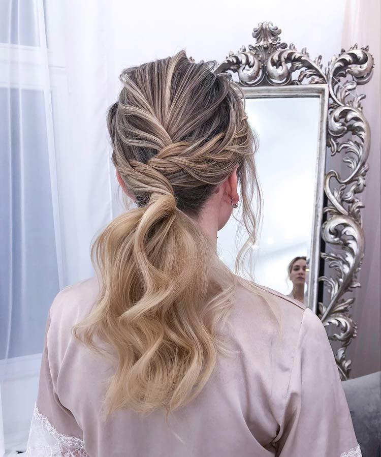 penteado-noivas-românticas-coque-baixo-com-volume