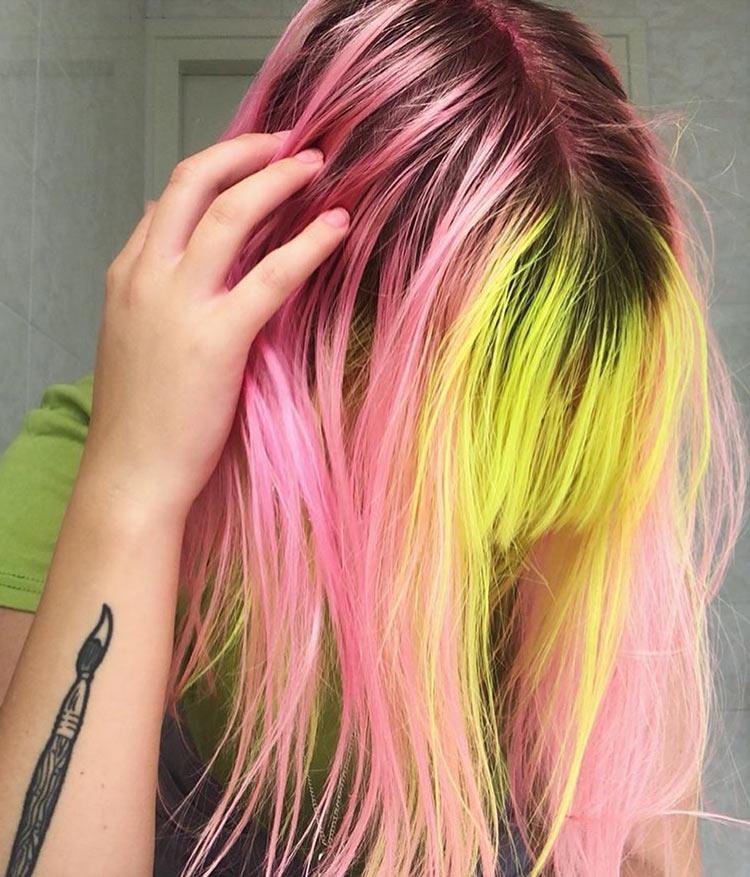 cabelo-bicolor-colorido-rosa-e-amarelo-neon