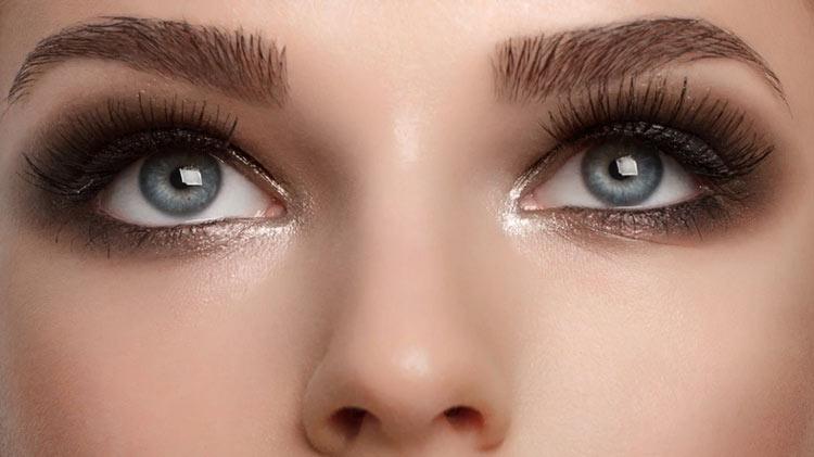 iluminador-nos-olhos
