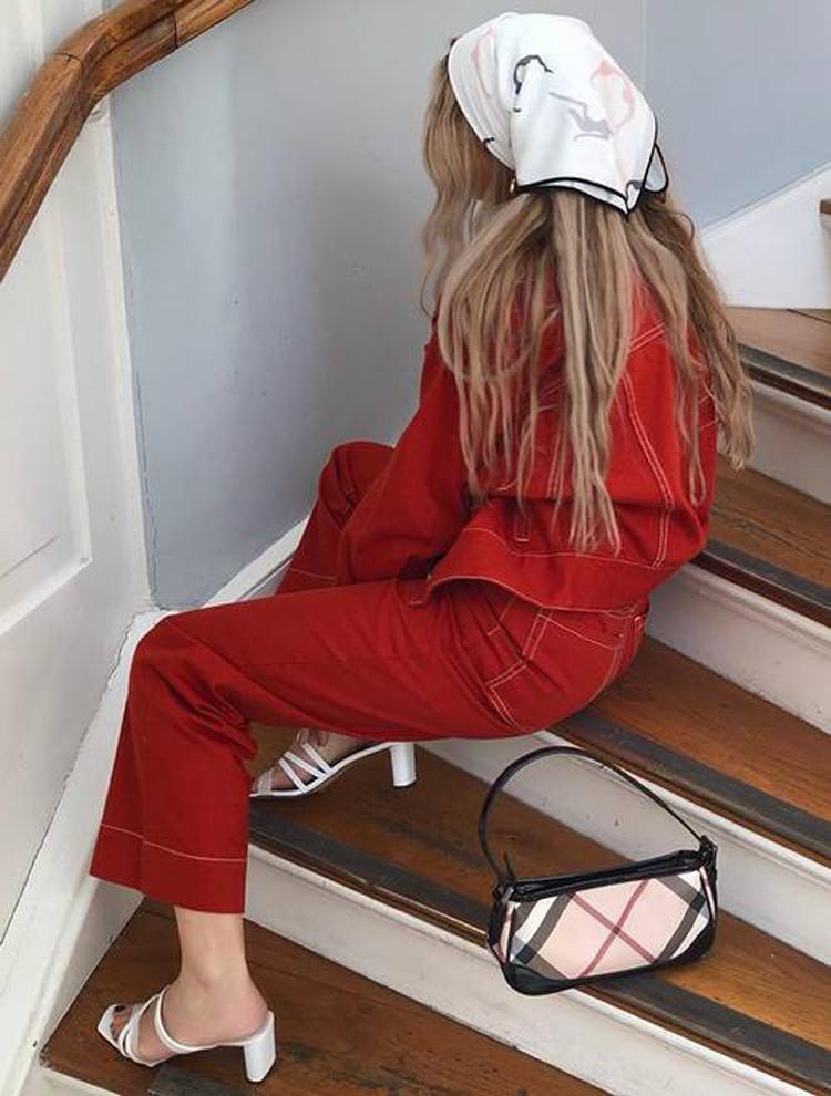 looks-todo-vermelho-com-lenço-na-cabeça-estilo-camponesa
