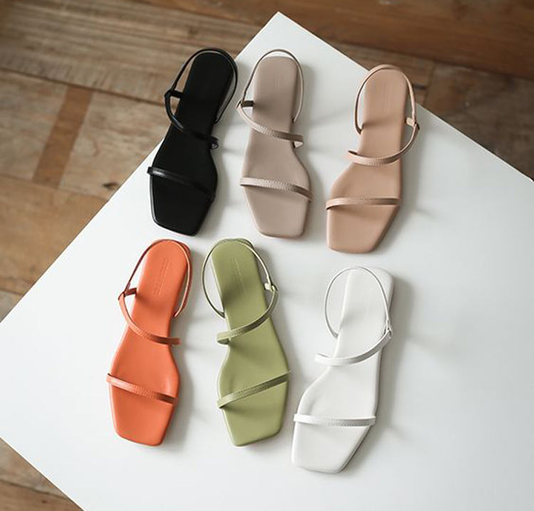 sandalia-ponta-quadrada-e-tira-fina