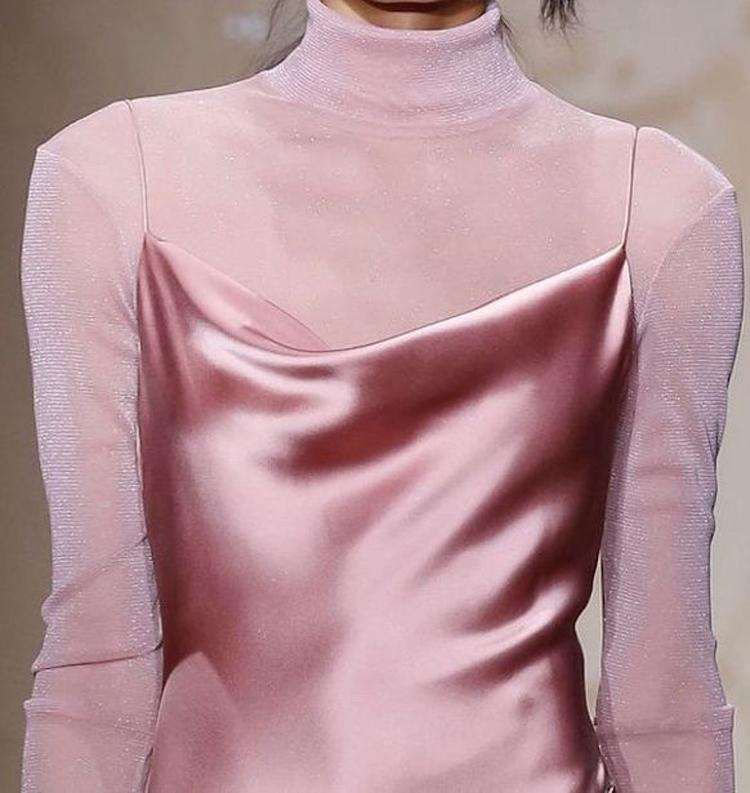 tendencia-vestido-decote-drapeado