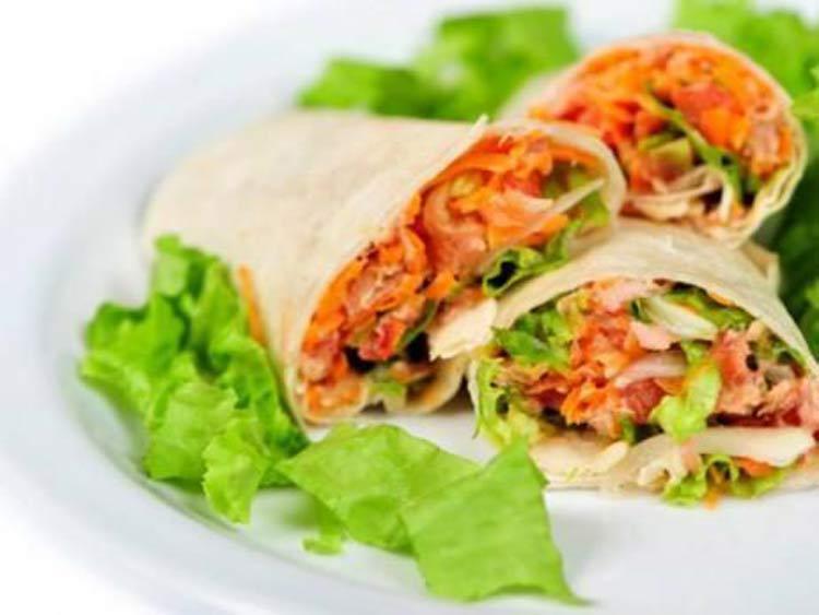 Burritos-de-atum-e-vegetais