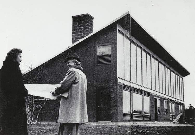 María-Telkes-juntou-se-à-arquiteta-Eleanor-Raymond