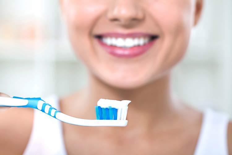 bicarbonato-de-sodio-dentes