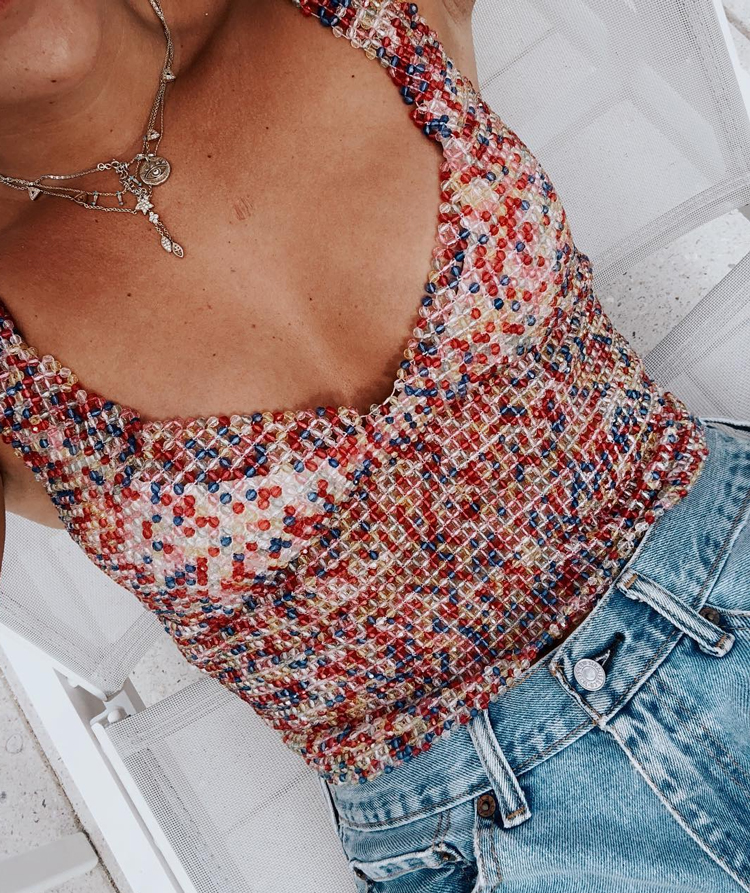 blusa-de-contas-coloridas