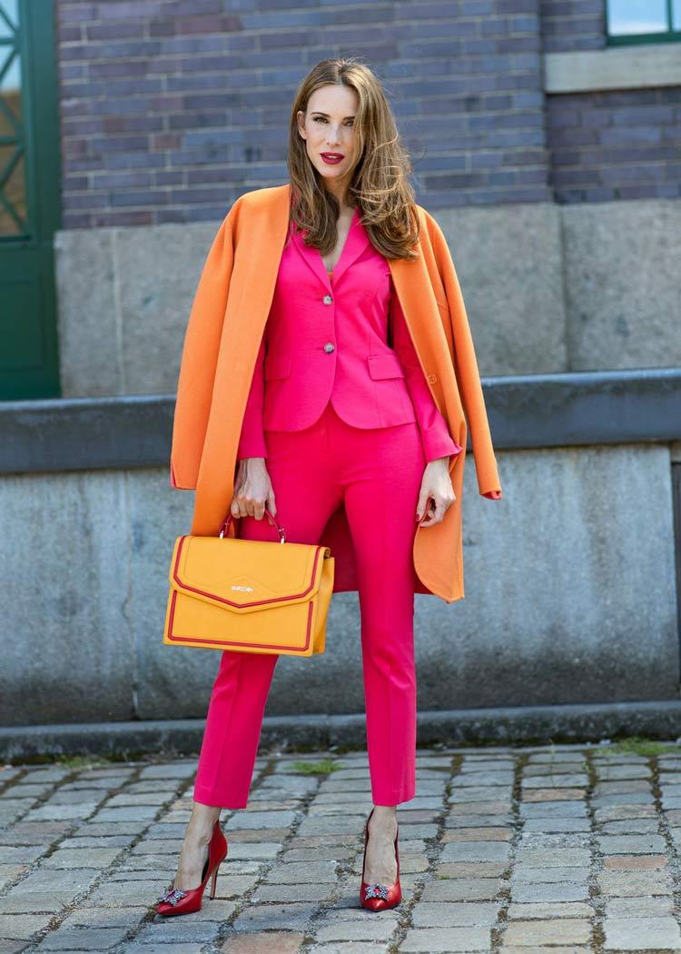 look-rosa-pink-e-casaco-laranja