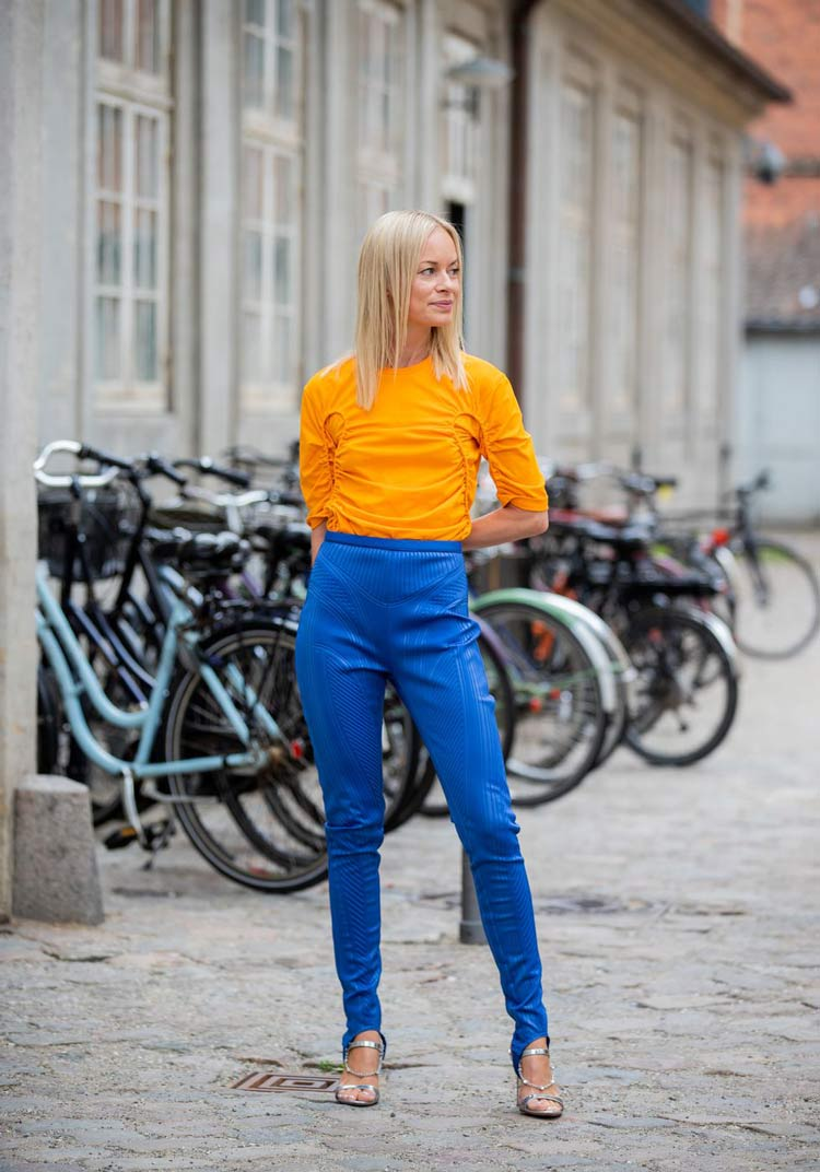 looks-coloridos-calça-azul-e-laranja-