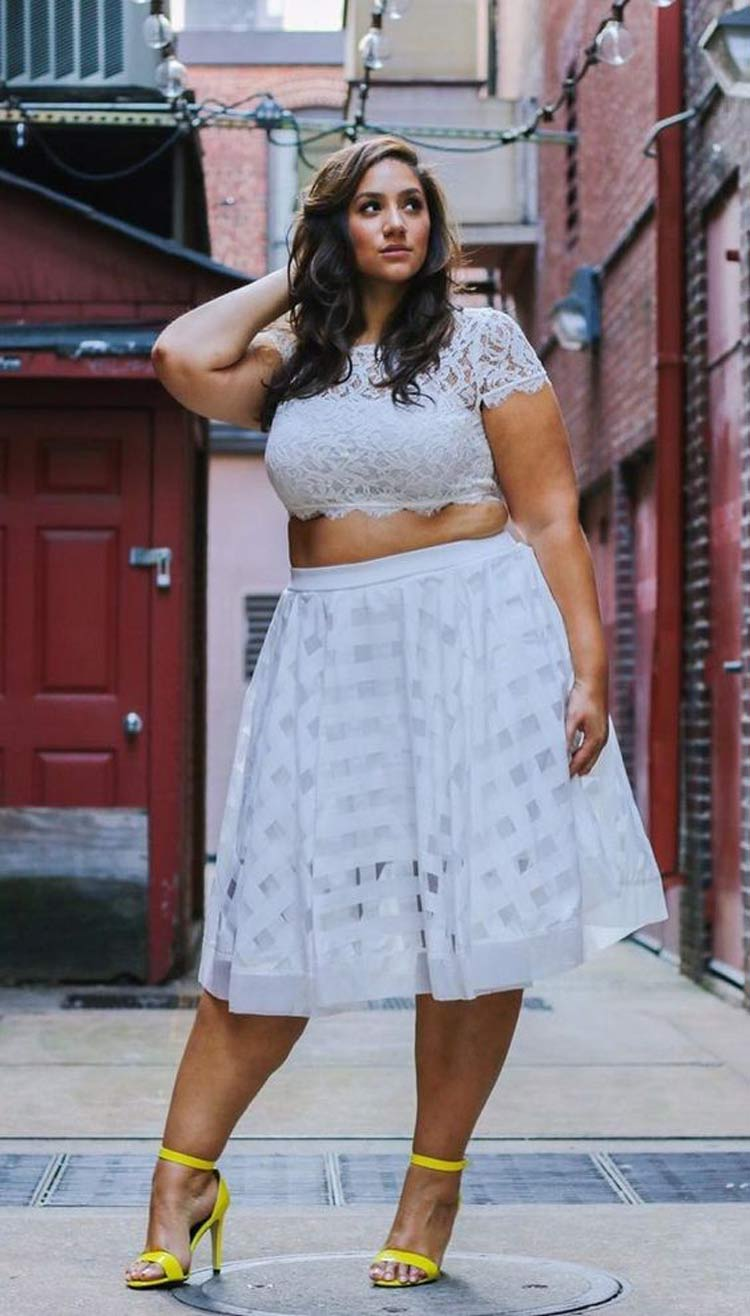 looks-com-Strappy-bras-plus-size