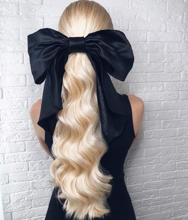 penteado-laço-grande-e-cabelo-ondulado