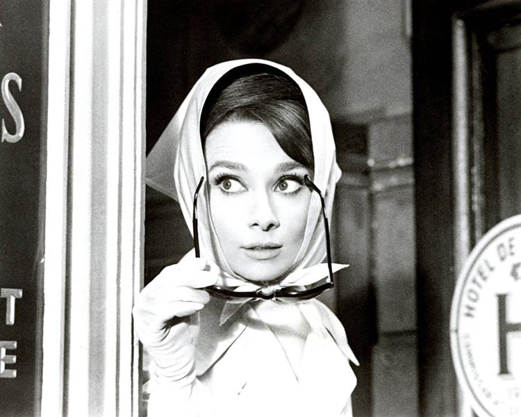 Audrey-Hepburn-lenço-na-cabeça