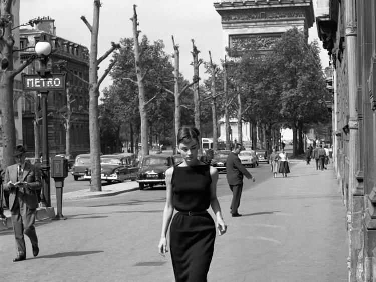 Audrey-Hepburn-paris