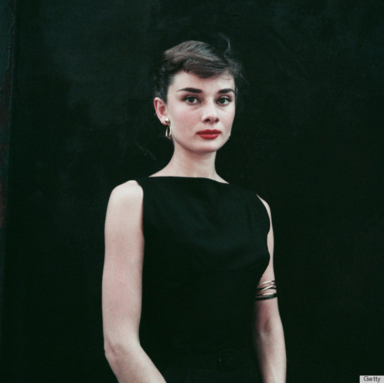 Audrey-Hepburn-vestido-preto