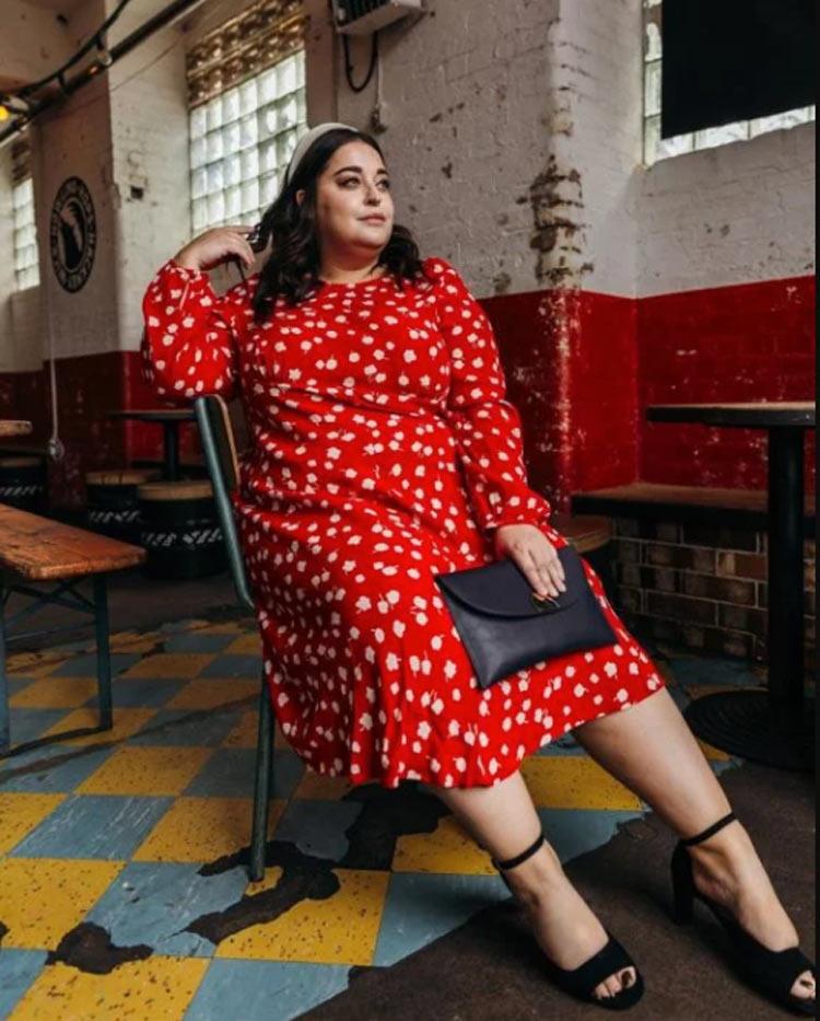 look-plus-size-vestido-vermelho