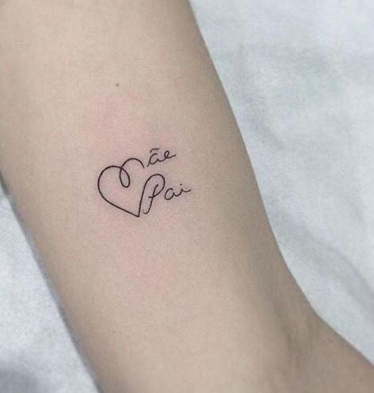 tatuagem-pequena-delicada-mae-e-pai