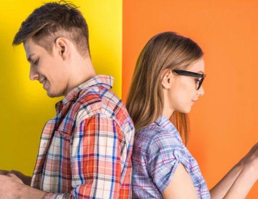 casal-se-comunicando-pelo-celular
