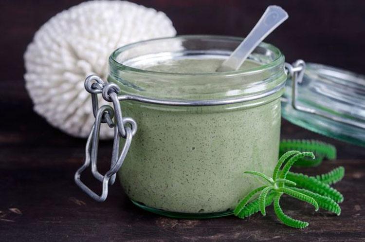 creme-anti-celulite-com-oleo-de-algas-e-sal
