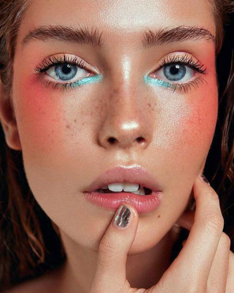 maquiagem-colorida-canto-interno-olho